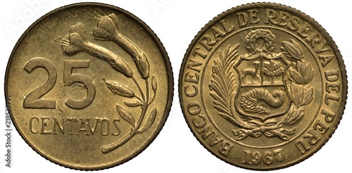Fotografia  Peru, Peruvian coin 25 twenty five centavo 1967,  value left to flower sprig, ar