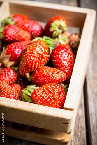 Naklejka owoce owoce-w-skrzynce