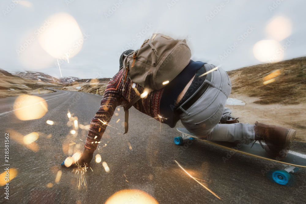 Fototapety, obrazy: Skater traveling iceland on his longboard