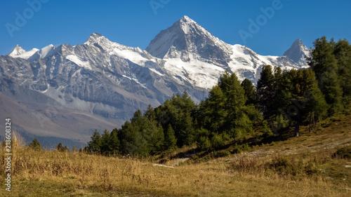 Valokuvatapetti Mountains near the Rhone Valley in late september (Valais, Switzerland)