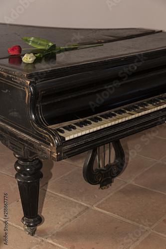 Photo Piano de cola antiguo.