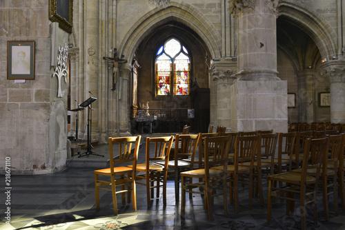 Valokuvatapetti Lumière céleste dans l'église St Germain à Andrézy, Yvelines