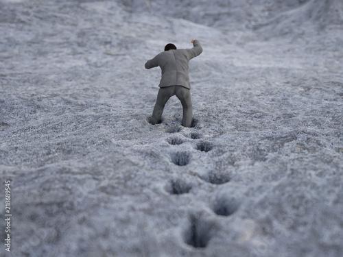 Fotografie, Obraz  man stuck in the mud