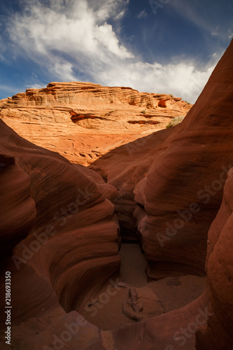 Foto op Plexiglas Bruin Scenic colorful canyon landscape with beautiful clouds in the sky. Beauty of American southwest. Slot canyon in Page, Arizona
