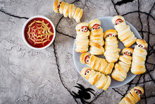 Scary Sausage Mummies In Dough...