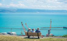 New Zealander Trio Elder Sitti...