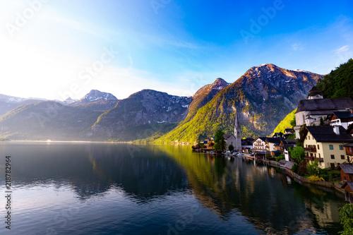 Poster Bergen Beautiful of Landscape view Famous Hallstatt mountain village and alpine lake, Austrian Alps