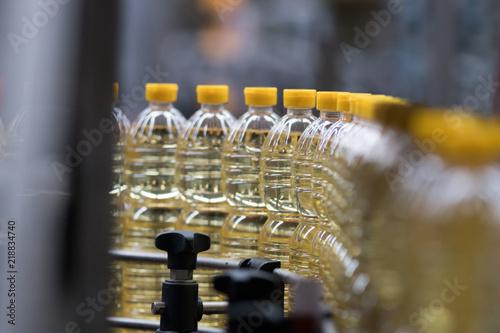 Fototapeta Oil Bottling obraz