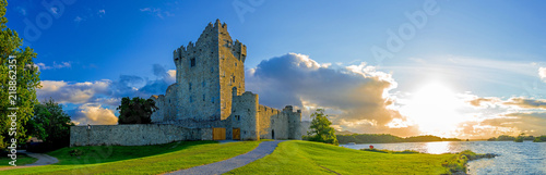 Fotobehang Landschappen Idyllic landscape of Ross Castle in the Killarney National Park in Ireland. Travel by car through the Ring of Kerry.