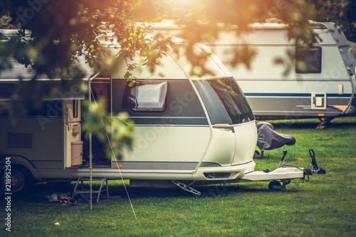 Tuinposter Kamperen Recreational Vehicle Camping