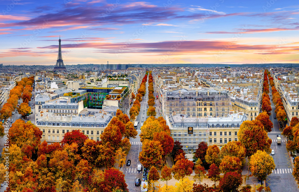 Fototapety, obrazy: Aerial view of Paris in late autumn at sunset.Red and orange colored street trees. Eiffel Tower in the background. Paris, France