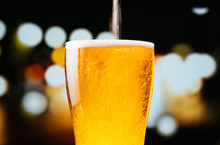 Image Of Draft Beer While Pour...