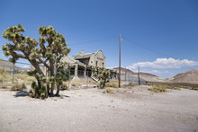 Ghost Town, Rhyolite, Death Va...