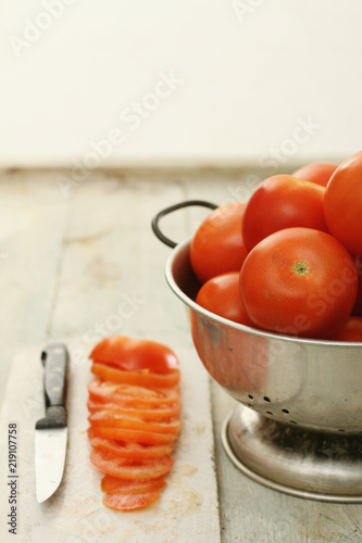 Cuadros en Lienzo  fresh ripe tomatoes