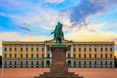 Foto auf Leinwand Altes Gebaude Royal Palace, oslo, Norway.
