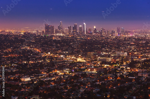 Staande foto Los Angeles Downtown of Los Angeles at sunset from Griffith observatory