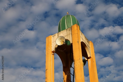 Mosque loudspeakers on Minaret to call for muslim for prayer. Slika na platnu