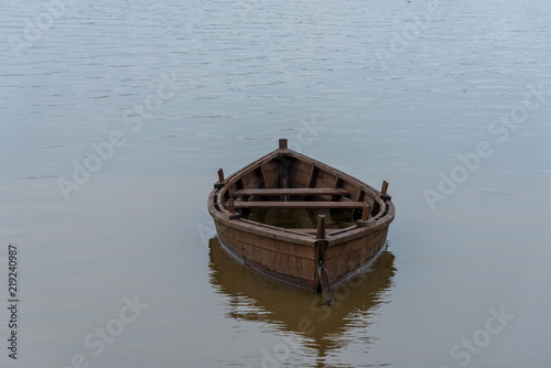 Fotografiet An Empty Rowboat