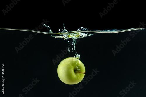 Fototapeta jabłko jablko-w-wodzie