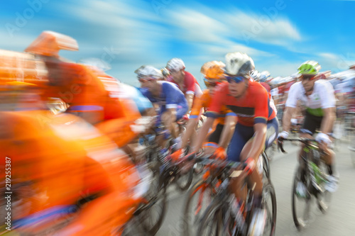 Foto op Plexiglas Fietsen Group of cyclist during a race, motion blur