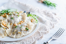 Dumplings With Cabbage And Mushrooms
