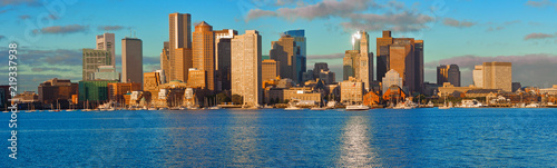 Spoed Fotobehang Centraal-Amerika Landen View of Financial District and Harbor in Boston, USA