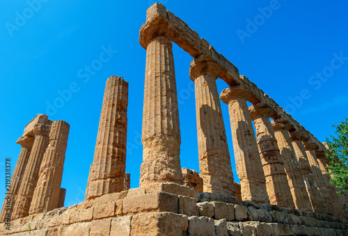 Papiers peints Con. ancienne Ancient greek Temple of Juno in Agrigento, Sicily. Italy