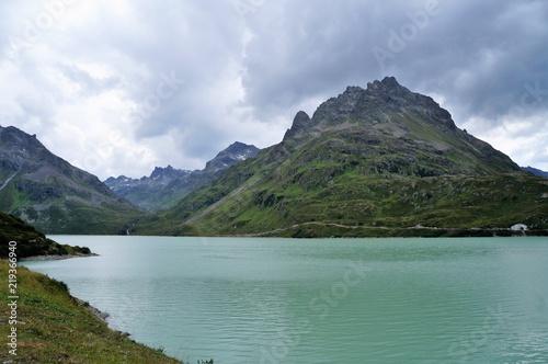 Foto auf Gartenposter Reflexion Stausee Bergsee