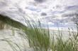 Morze Bałtyckie, widok z niebieskim bezchmurnym niebem