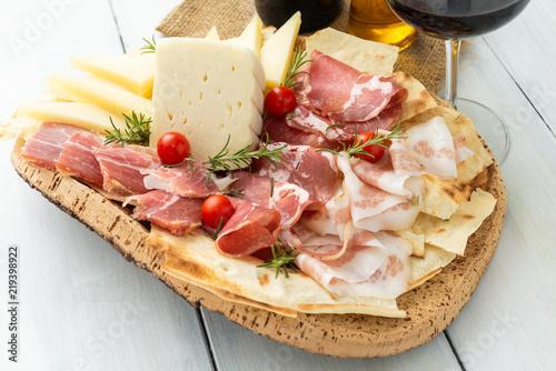 Vassoio di cibi tipici dalla Sardegna, typical food from Sardinia, Italy