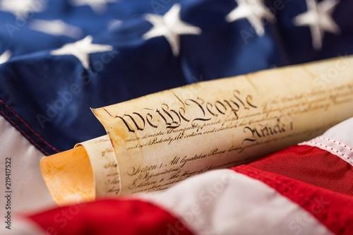 Valokuvatapetti american flag wtih american constitution