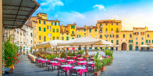 Aluminium Prints Wild West A cozy morning cafe on the square of the old town. Italy. Europe