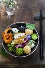 Bento Bowl With Onigiri, Prawns And Vegetables