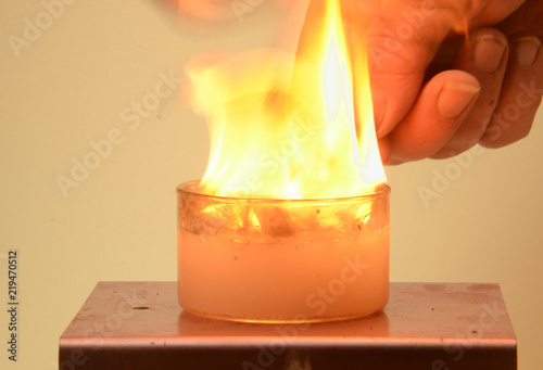 Fotografie, Obraz  Calcium Carbide dissolves in water, creating Acetylene gas