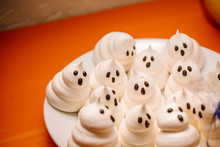 Funny Meringue Ghosts For Hall...