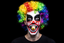 Scary Clown Make-up For Hallow...
