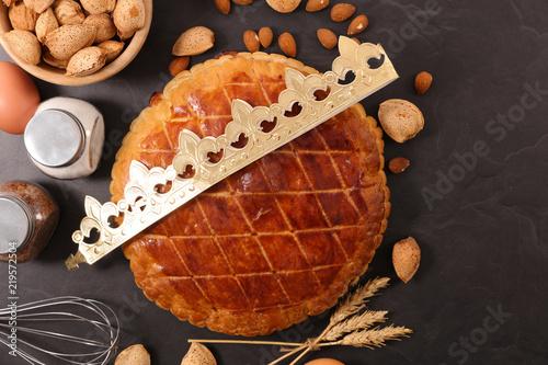 almond pie, epiphany cake and crown Fotobehang