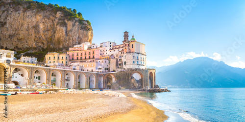 Photo sur Toile Naples Morning view of Amalfi cityscape on coast line of mediterranean sea, Italy