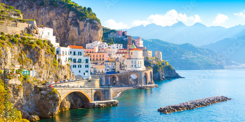 Poster de jardin Europe Méditérranéenne Morning view of Amalfi cityscape on coast line of mediterranean sea, Italy