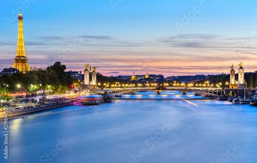 Fotografía  La nuit tombe sur Paris