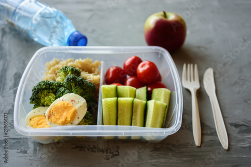 In de dag Assortiment Lunch box with healthy food