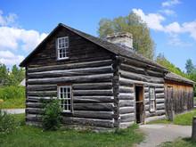 Old Fashioned Log Cabin