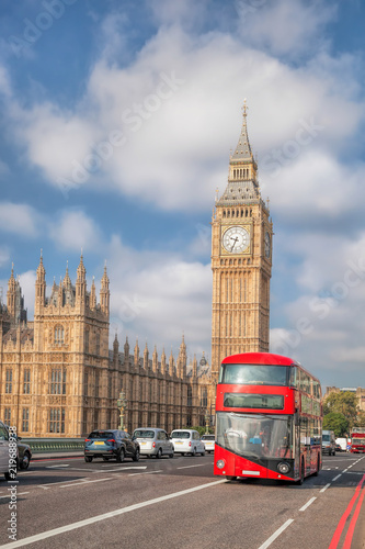 Türaufkleber London roten bus Big Ben with red bus in London, England, UK