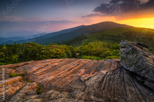 Cuadros en Lienzo Summer sunset along Appalachian Trail, Tennessee