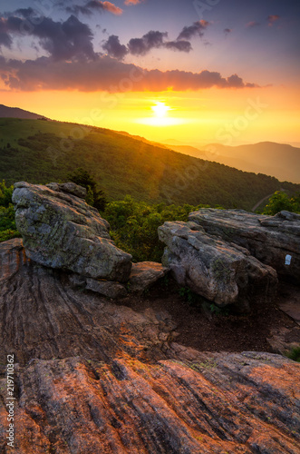 Fotografiet Summer sunset along Appalachian Trail, Tennessee