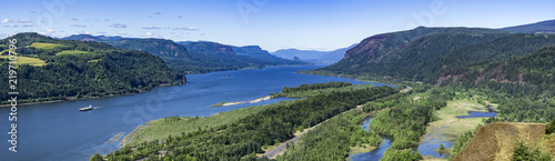 Fototapeta Panoramic overlook view of the Columbia River gorge from the Vista House, Oregon, USA