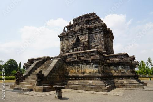 Spoed Foto op Canvas Bedehuis Mendut temple near Borobudur Temple, Java, Indonesia