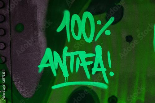 plakat 100% Antifa Graffito