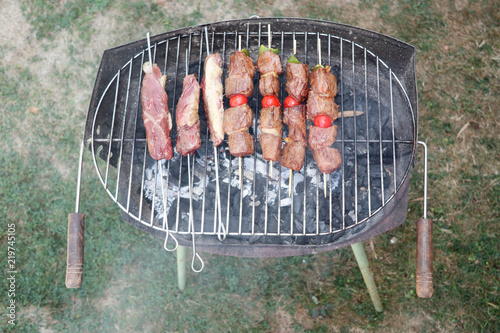 In de dag Grill / Barbecue Top view of fresh mixed grilled meat
