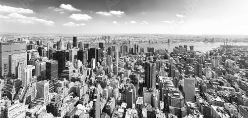 Widok Manhattanu z tarasu widokowego wieżowca. Nowy Jork.